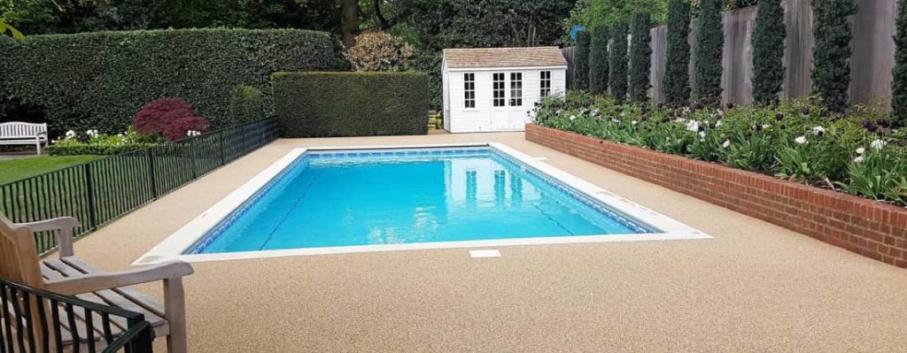 permeable swimming pool surround paving