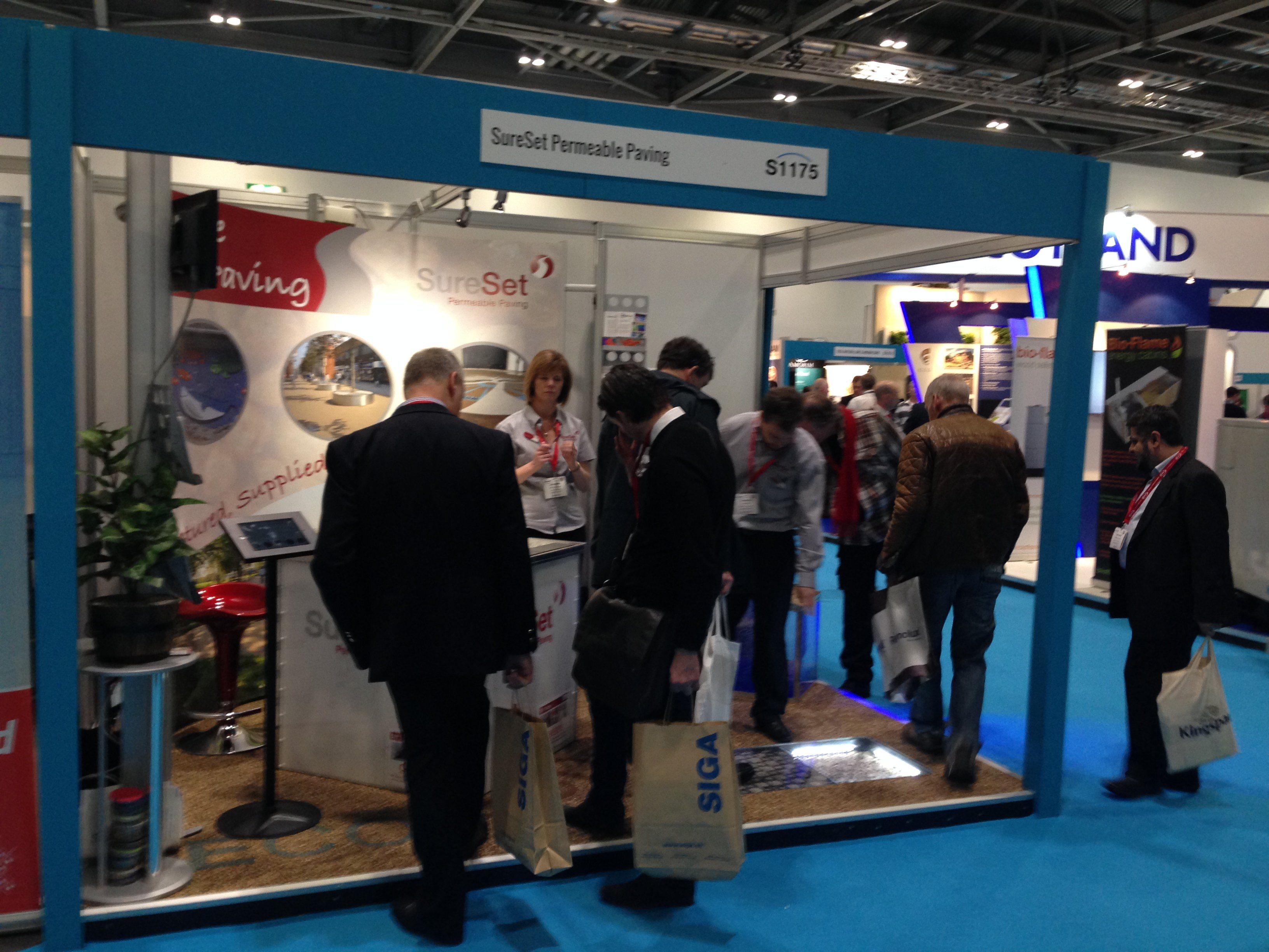 Exhibition Stand Installer Jobs : Events and exhibitions sureset